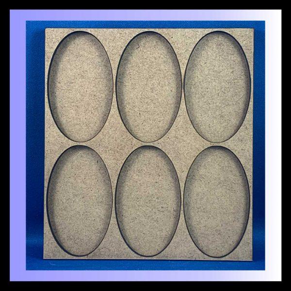Oval base movement tray
